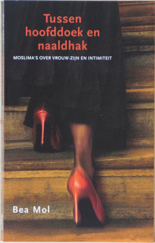 Carla Rus boek recensie Tussen hoofddoek en naaldhak - Bea Mol